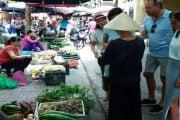 Visite-d-un-marché-local-Hanoi